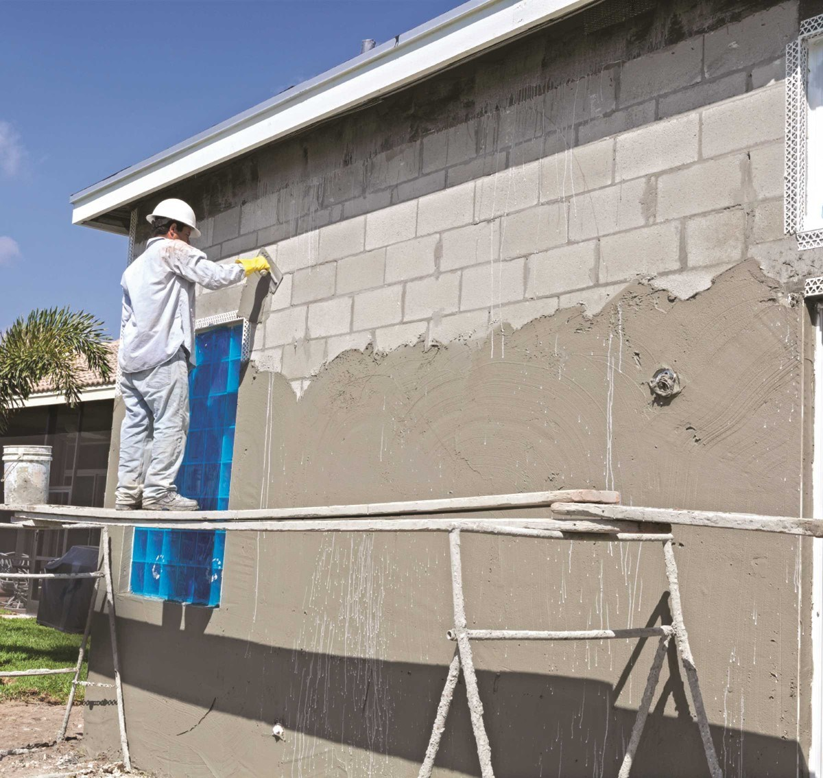 Merveilleux ... Associations May Not Have To Deal With Much In The Way Of Snow And Ice  When It Comes To Protecting And Repairing Their Concrete And Stucco  Surfaces, ...